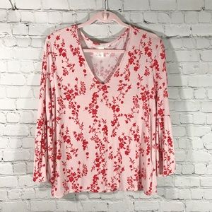 H&M \\ bell-sleeve floral print top